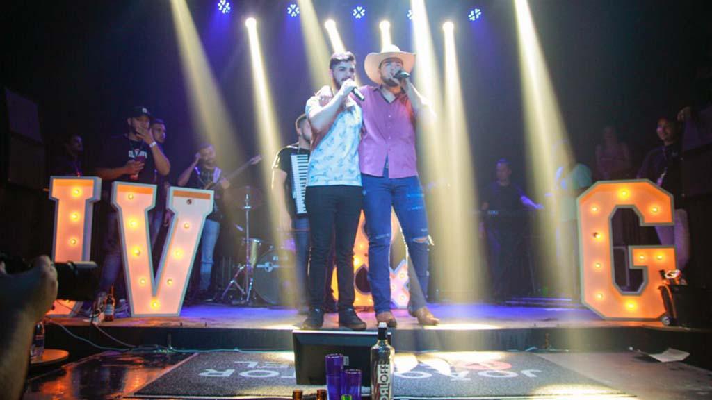 Com casa de shows lotada, João Vitor e Gabriel iniciam turnê Vitamina C em Londrina