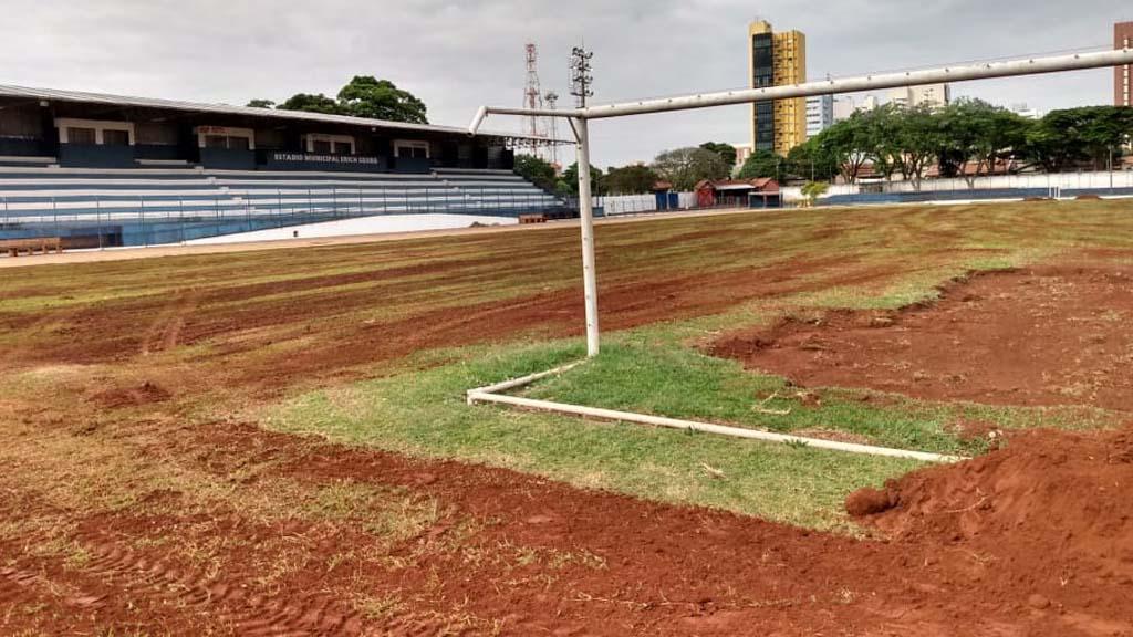 Estádio Erich Georg, em Rolândia, passa por revitalização